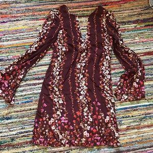 Very pretty summery dress! 👗